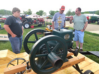 Brownstown antique machinery show draws crowd