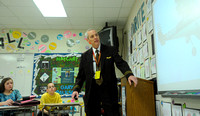 Local pilot helps students understand concepts of flight