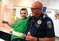 Redding Elementary students show appreciation to police officers