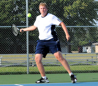 Oldenburg edges Trinity in tennis